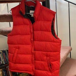 Old Navy men's puffer vest